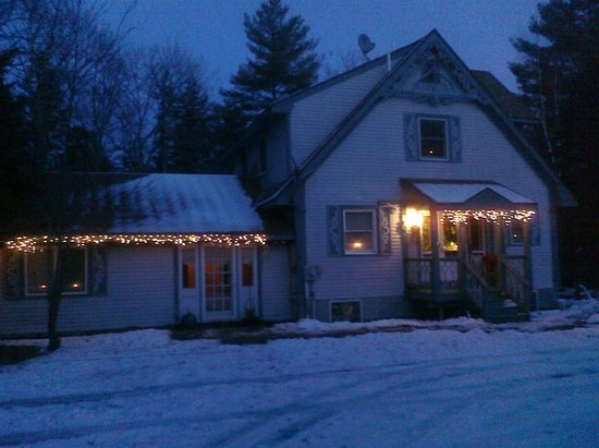New Portland, ME: Riverhouse Inn BnB Christmas