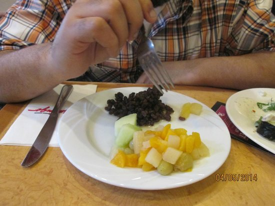 Paradise Garden Buffet: The only thing remotely edible...and I think the fruit was canned.