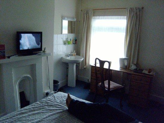 Charlotte Guest House : pokój