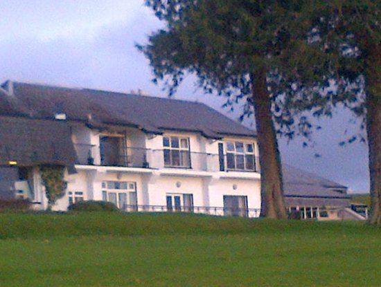 Killyhevlin Lakeside Hotel & Lodges: a picture taken at the back of the hotel with a view of the lough