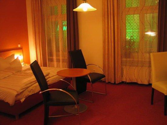 Bayrischer Hof: Hotel Bayrisher Hof - room