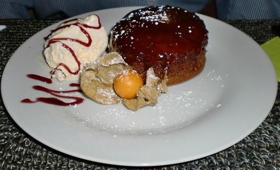 The Lounge at Pinoccios: Sticky toffee pudding