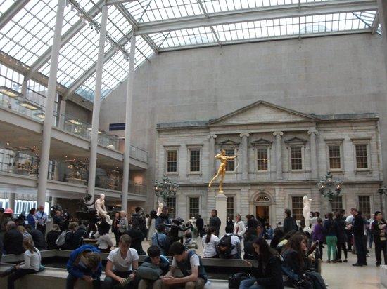 Metropolitan Museum of Art : Part of the American cafe