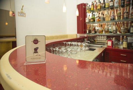 Hotel Odeon: Bar