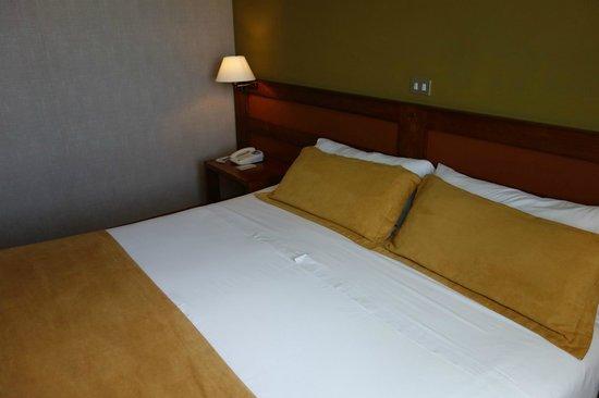 Hotel Rey Don Felipe: bed