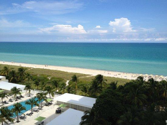 Grand Beach Hotel: Vistas
