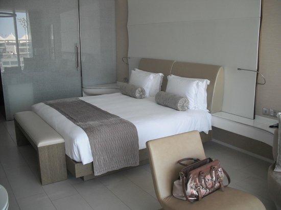Yas Viceroy Abu Dhabi: BED