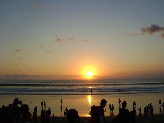 favehotel Kuta Square: por do sol na praia de kuta
