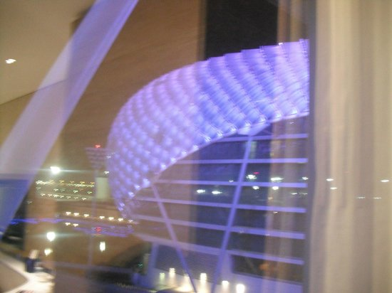 Yas Viceroy Abu Dhabi: LIGHTS
