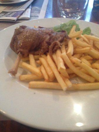 Hotel balladins Toulouse Purpan: Confit heuuu de canard et bonnes frites congelées pas cuites