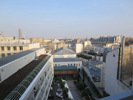 Renaissance Paris Arc de Triomphe Hotel: City view from our room