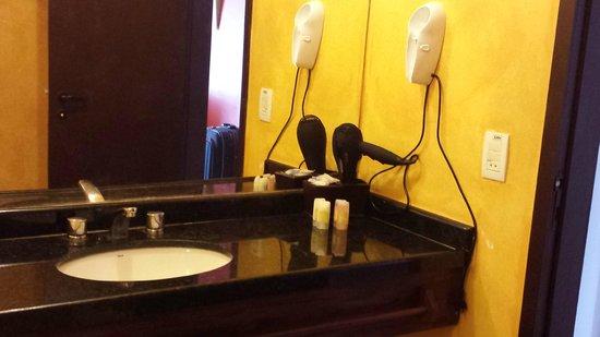 My Blue Hotel: banheiro