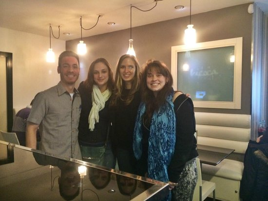 café-bar Bicoca : Julian, the head waiter and us!