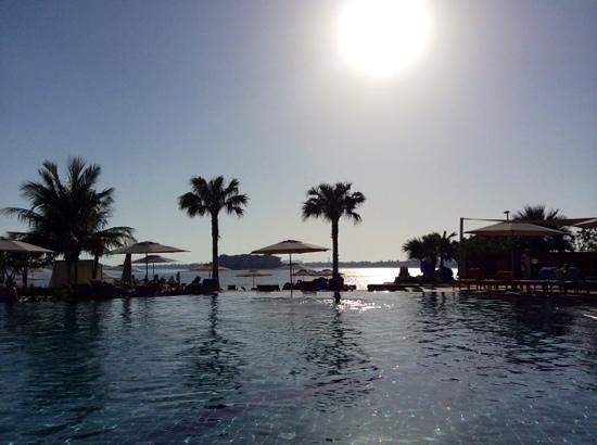 Anantara The Palm Dubai Resort: At the pool