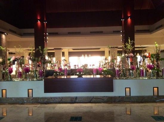 Anantara The Palm Dubai Resort: Reception area