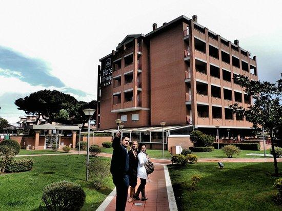 BEST WESTERN Hotel I Triangoli: hotel and gardens