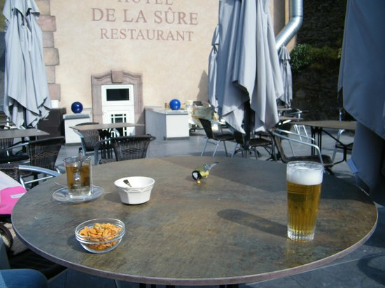 Logis Gourmet & Relax Hôtel de la Sûre : dakterras