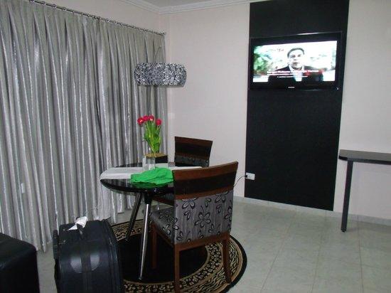 Maria Ricca Palace Hotel: quarto amplo e arrumado