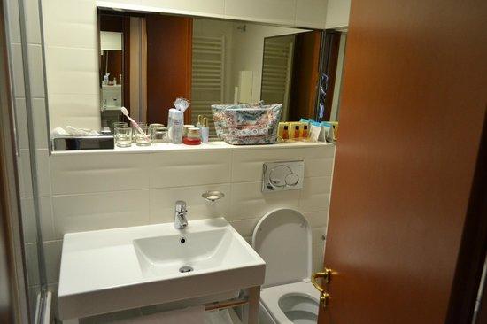 Hotel Eden: Bagno