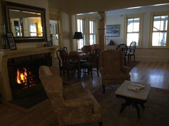 The Norwich Inn: Living room inside the old Inn building