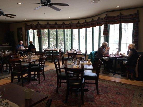 Norwich Inn : The Inn's main dining room