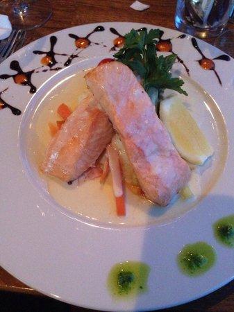 XL Diner: salmon