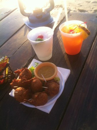 Calmos Cafe: tasty drinks and fish fritters from calms cafe