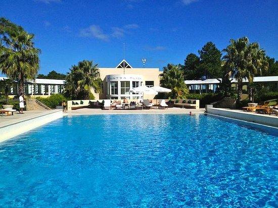 Punta Del Este Resort & Spa: Piscina (no período do inverno, somente é aquecida a interna)
