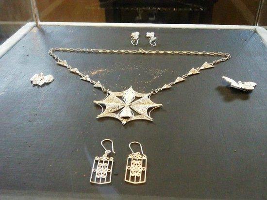 Bellisimos dise os en joyas plata y oro picture of for Disenos de joyas en oro
