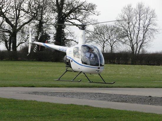 Costock, UK: R22 Landing