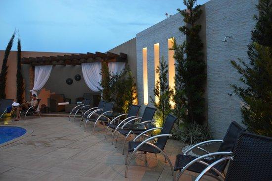 Nadai Confort Hotel & SPA: piscina
