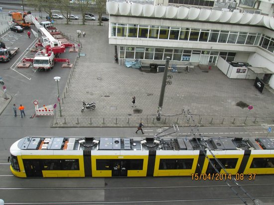 Ibis Styles Berlin Alexanderplatz: Вид из окна