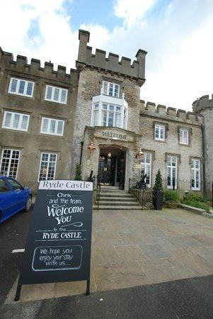Hotel Ryde Castle: The main Entrance
