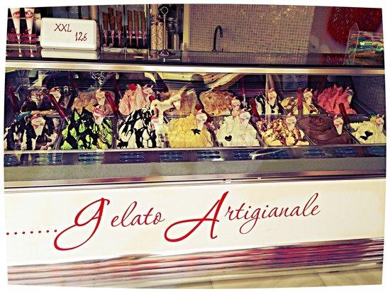 Gelateria Di Porto Marina: Los mejores helados de andalucia con la cremocidad que mas te gusta y los mejores sabores !!!