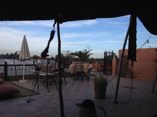 Riad Dubai: Roof terrace 2