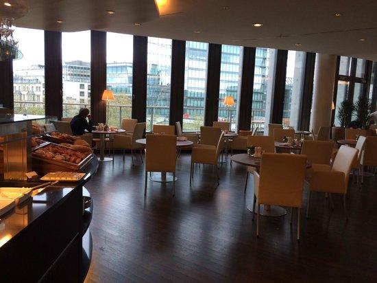 Swissotel Berlin : Frühstücksbereich