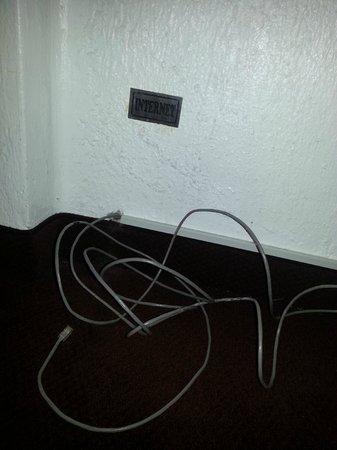 El Condado Miraflores Hotel & Suites: Acceso a Internet en habitación