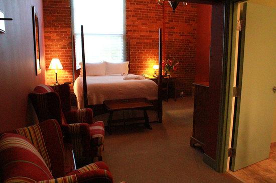 Brookstown Inn : Queen Room