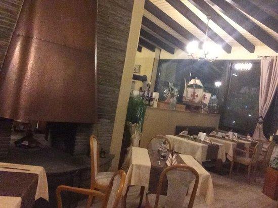 Restaurant Café Platte Da Nunzio: Inside view...