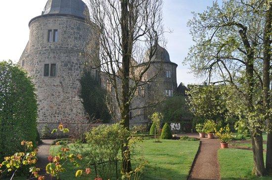 Dornröschenschloss Sababurg: Castle gardens