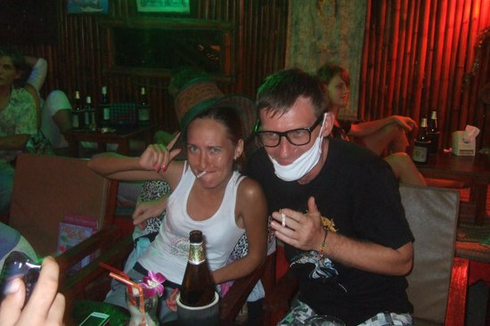 Hippies Bar & Restaurant Ao-Nang: веселуха