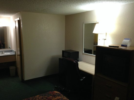 Sundown Inn : Room 106