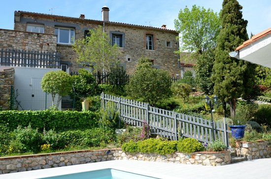 Le Relais Des Chartreuses: Hotel et jardin