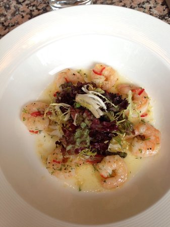 Bennett's Cafe & Bistro: Garlic prawns starter,  gorgeous, make sure you save some bread to dip in the sauce!