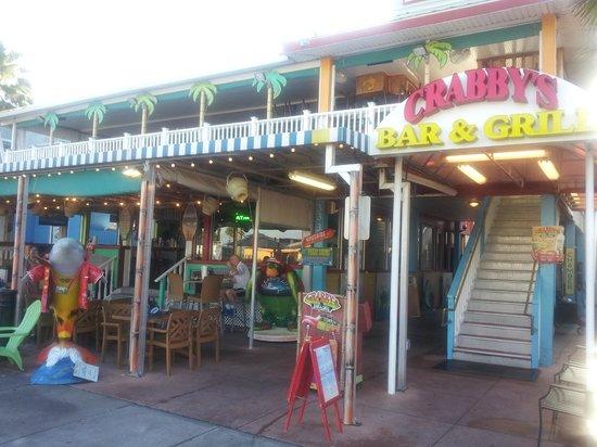 Crabby's Beachwalk Bar & Grill : Crabbys