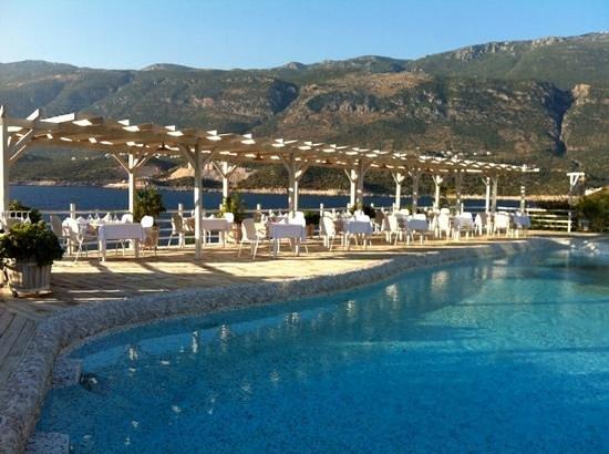 Peninsula Gardens Hotel: Poolside restaurant