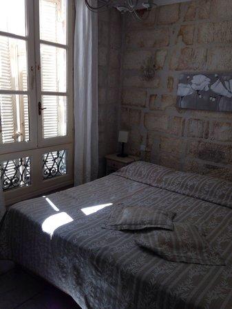Hotel du Palais des Papes : Chambre 08