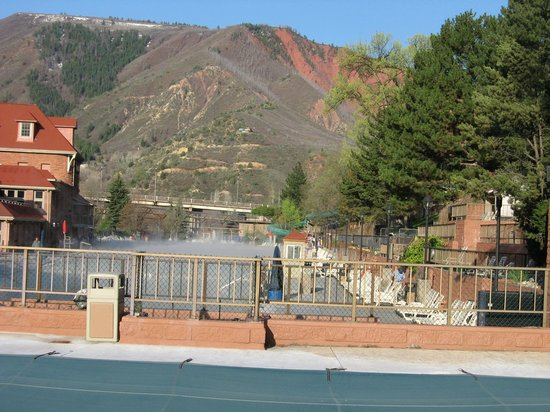 Glenwood Hot Springs Lodge: View of Thermal Pools