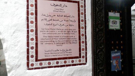Riad Dalia Tetouan : il portone del Dalia,locale storico dell 1800