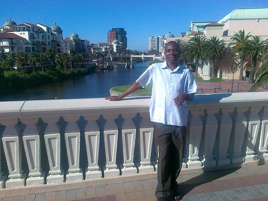 33 South Boutique Backpackers: John Baligira at Canal Walk - CPT